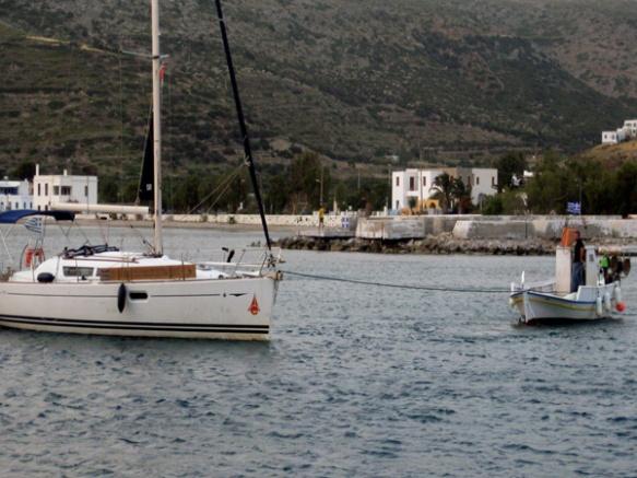 Fischer-schleppt-Yacht2