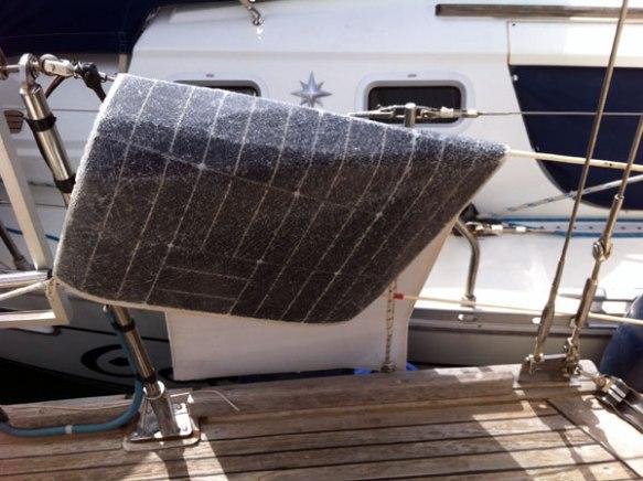 Solarpanel-ueber-Reling